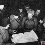 Штаб 1-й Гвардейской танковой бригады: разрабатывается план операции. Декабрь 1941 г.