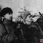 Генерал-майор танковых войск М.Е. Катуков - командир 1-й гвардейской танковой бригады на наблюдательном пункте. Декабрь 1941 г.