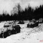 Бронеавтомобили Красной Армии, выдвигаются на передовую позицию. Декабрь  1941 г.